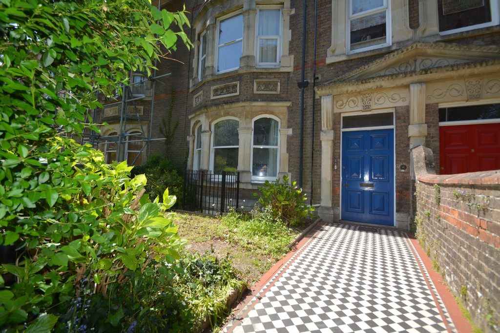 Image of Flat 2, 8 Cornwall Road