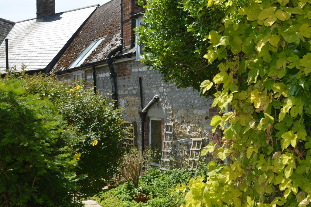 Image of The White Cottage