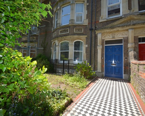 Flat 2, 8 Cornwall Road